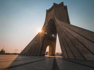 2019 İran İsyanları: Sokağın Talepleri ve Siyasetin Açmazları Üzerine Bir Değerlendirme