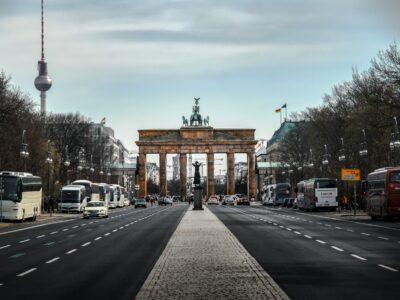 Almanya'da Hristiyan Demokratlar'ın Zor Seçimi: Gelenekle Yenilik Karşı Karşıya