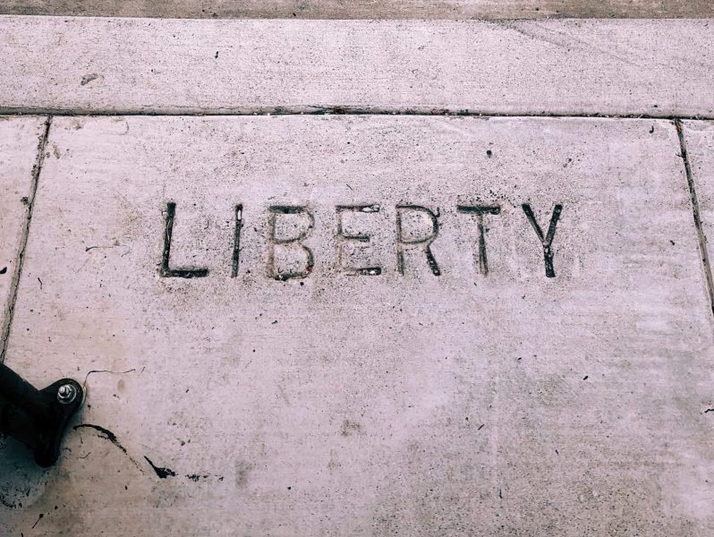 Liberteryenizm ölmedi. Kendini baştan yaratıyor.