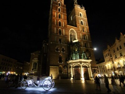 Polonya Mektubu: Krakow'da Ayna Var Ayna Var!